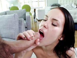 Sexy Teen Suck Slut Fucked In Her Bald Pussy