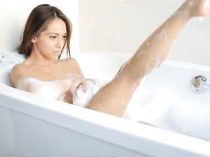 Massage And Screw Skinny Babe Sara Luvv