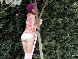 Skinny Teen Beauty Flashing In The Garden