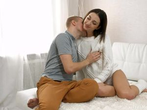 Cutie In Leg Warmers Moans Loud When He Fills Her Pussy