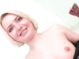 Close Up Pussy Stretching Sex With A Fat Toy