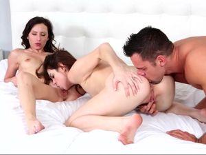 Cumming For Porn Girls That Swap His Hot Jizz