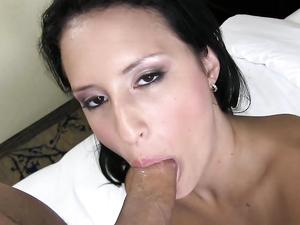 Latina Girl Jennifer Linda Fucked For A Facial