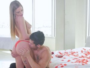 Romantic Holiday Fuck With Gorgeous Sydney Cole