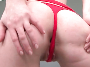 Three Fingers Loosen Her Solo Pussy For A Huge Toy