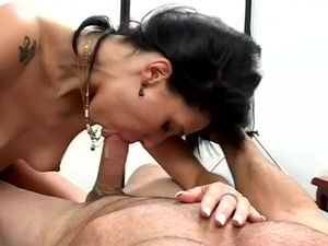 Nasty Latina Cum Whore Does A Double Penetration